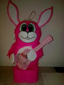 Изображение10079-зайче с китара